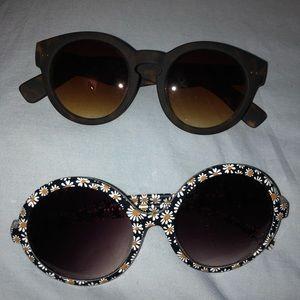 Set of two sunglasses round circle